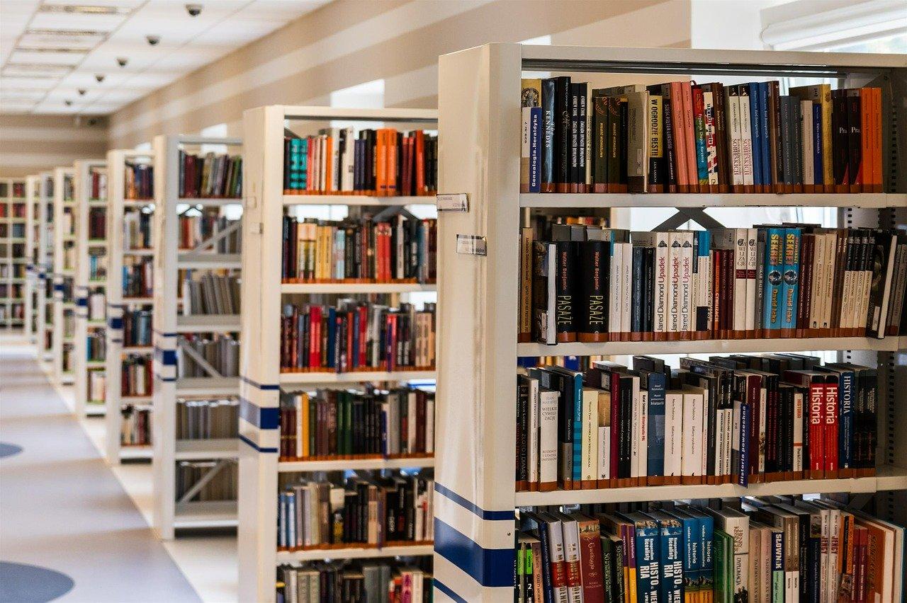 l'importance d'un site bien structuré, comme une bibliothèque